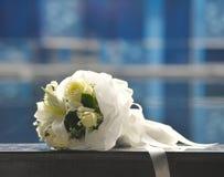 Wit bloemboeket stock afbeelding