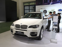 Wit BMW x6 35 xi auto Stock Foto