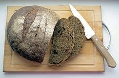 Wit brood van brood dat op wit wordt geïsoleerd Royalty-vrije Stock Foto