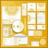 Wit collectief identiteitsmalplaatje met geel mozaïekelementen Stock Afbeeldingen