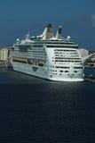 Wit de cruiseschip van de luxe Stock Foto's
