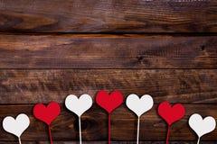 Wit en rood hart op een stok Stock Afbeeldingen