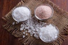 Wit en roze zout stock afbeeldingen