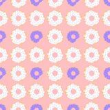 Wit en viooltje donuts met rode achtergrond Royalty-vrije Stock Foto