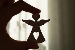 Wit engelenbeeldje stock afbeelding