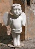 Wit engelenstandbeeld stock fotografie