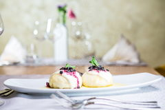 Wit gevoelig dessert royalty-vrije stock fotografie