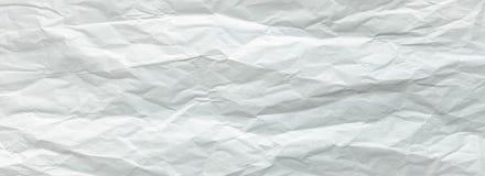 Wit gevouwen blad van document Verpletterd en gevouwen wit blad van document Het document van de nota Gerimpeld document stock afbeeldingen