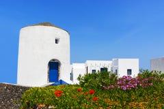 Wit Grieks huis in Santorini, Griekenland Stock Foto