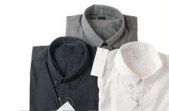 Wit, grijs en zwart overhemd met leeg prijskaartje Stock Afbeeldingen