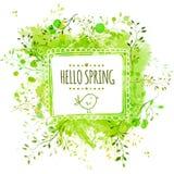 Wit hand getrokken vierkant kader met krabbelvogel en de tekst hello lente De groene achtergrond van de waterverfplons met blader Stock Foto