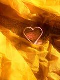 Wit hart, gele achtergrond Royalty-vrije Stock Fotografie