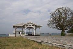 Wit houten brugpaviljoen Stock Fotografie