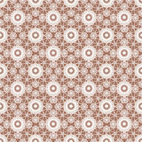 Wit kant bloemen naadloos patroon op bruin Stock Afbeeldingen