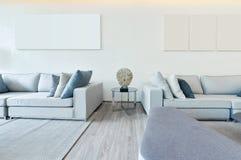 Wit luxe modern het leven binnenland en decoratie, binnenlandse des Royalty-vrije Stock Afbeeldingen