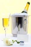 Wit nam en champagne toe Royalty-vrije Stock Fotografie