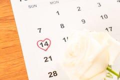 wit nam op de kalender met de datum van 14 Februari Valentin toe Royalty-vrije Stock Afbeelding