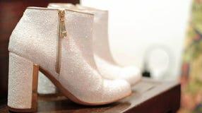 Wit paar laarzen voor huwelijk Royalty-vrije Stock Foto