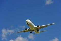 Wit passagiersvliegtuig Royalty-vrije Stock Foto