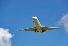 Wit passagiersvliegtuig Stock Foto's
