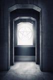 Wit pentagramsymbool op de vensters Stock Fotografie