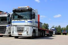 Wit Renault Magnum 500 Vrachtwagen stock fotografie