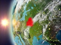 Wit-Rusland tijdens zonsondergang van ruimte Stock Foto
