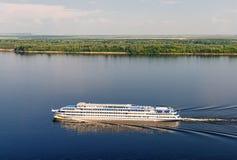 Wit schip royalty-vrije stock afbeeldingen
