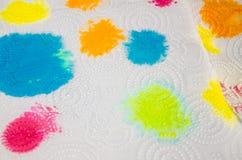Wit servet met verfvlekken royalty-vrije stock fotografie