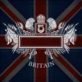 Wit silhouet van Wapenschild met Vierkant Kader en Uitstekende Wapens op de Vlagachtergrond van Groot-Brittannië Royalty-vrije Stock Afbeeldingen