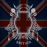 Wit silhouetwapenschild met Kader en Uitstekende Wapens op de Vlagachtergrond van Groot-Brittannië Stock Afbeeldingen
