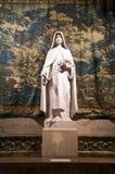 Wit standbeeld met tapijtwerk royalty-vrije stock foto's