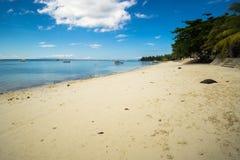 Wit strand Engelse Tagbilaran, Filipinas Wit strand in Tagbilaran, Filippijnen stock foto's