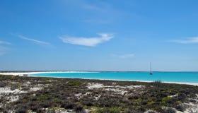 Wit toenemend strand Royalty-vrije Stock Afbeeldingen