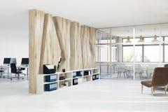 Wit vergaderzaalbinnenland, leunstoelen, kant Stock Fotografie
