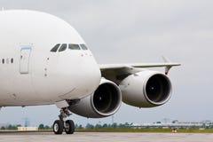 Wit vliegtuig royalty-vrije stock afbeelding