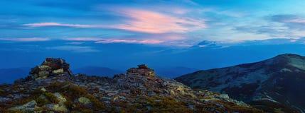 Świt w Carpathians górach (wielka panorama) Zdjęcia Stock