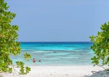 Wit zandstrand van Tachai-eiland, Thailand Royalty-vrije Stock Fotografie