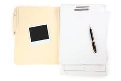 Witboek en pen stock fotografie