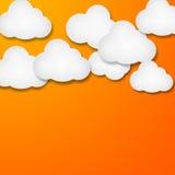 Witboekwolken over gradiënt blauwe achtergrond Stock Afbeelding
