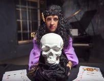 Witchcraft άσκησης μαγισσών Στοκ Φωτογραφίες