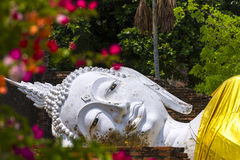 Withe buddha sleep in flower Royalty Free Stock Photography