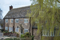 WITNEY, OXFORDSHIRE/UK - 23 MAART: Rose Revived Public House-Ne Stock Afbeelding
