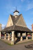 WITNEY, OXFORDSHIRE/UK - 23 MARZO: Il Buttercross nel mercato quadrato Fotografie Stock Libere da Diritti