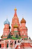 Świątobliwa basil katedra na placu czerwonym, Moskwa przy zmierzchem Obrazy Royalty Free