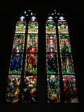Witraż Windows w St Nicolas katedrze, tworzącej Polskim malarzem Jozef Mehoffer między 1896 i 1936, Fribourg zdjęcie royalty free