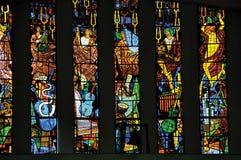Witraży okno z religijnymi wizerunkami w Santuà ¡ Rio das Almas kościół przy Niteroi, fotografia royalty free