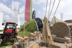 Witrussische paviljoeningang in Expo, universele expositie over t royalty-vrije stock afbeeldingen
