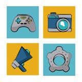 Witte achtergrond met kleurenkaders met pictogrammen van spelen en camera en megafoon en montages Stock Foto's