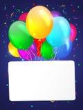 Witte achtergrond met multicolored ballons. Stock Afbeeldingen